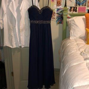 Dresses & Skirts - Bee Darlin Promdress